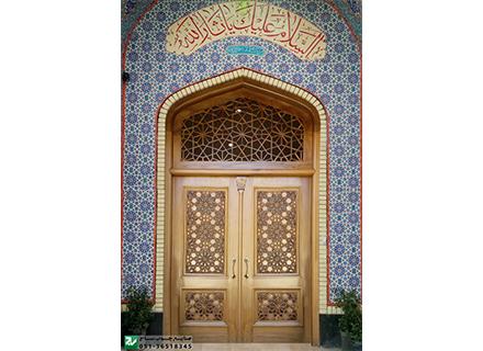 درب چوبی سنتی ورودی مسجد،نمازخانه وحسینیه,امامزاده گره چینی