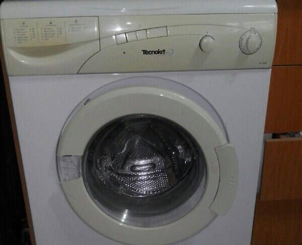 ماشین لباسشویی تکنو (اصل ایتالیا)