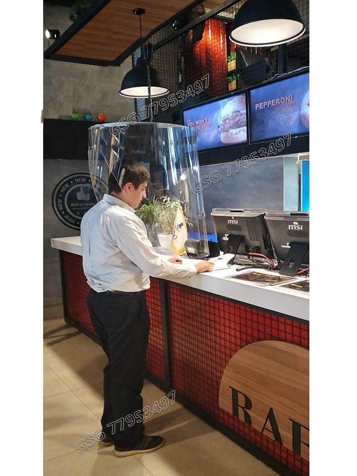 ساخت طلق فاصله گذاری در بانک، محافظ طلقی مشتریان رستوران، نمای طلقی
