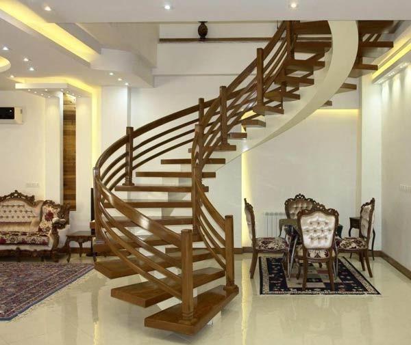پله چوبی نرده چوبی و پایه نرده